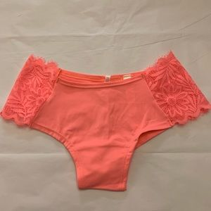 5/$15✨ VS PINK Coral Daisy Lace Cheekster Panty